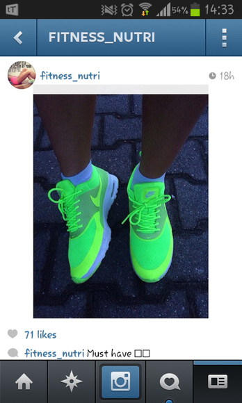 neon yellow shoes nike green light