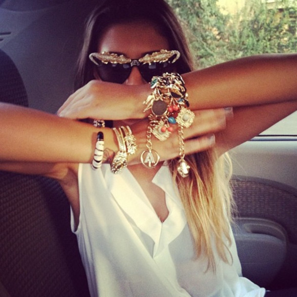 blouse white top white t-shirt summer top white summer top jewels jewelry gold bracelets braclet gold jewelry gold bracelet colored braclet