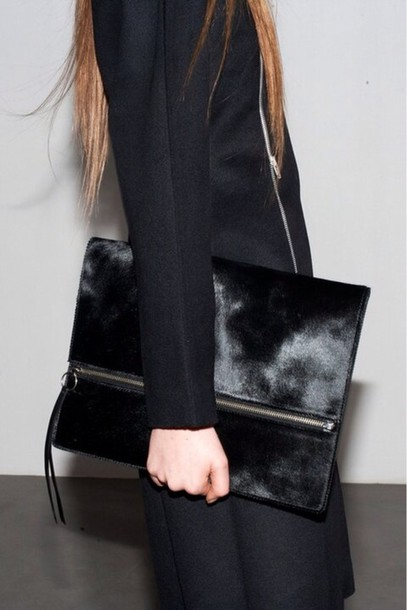 Bag: fur, clutch, oversized, black - Wheretoget