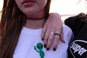 jewels,rings.,necklace.,choker necklace,shirt,alien,green,white,necklace,ring,bracelets,girl,tumblr,t-shirt,crewneck,top,jewelry,grunge