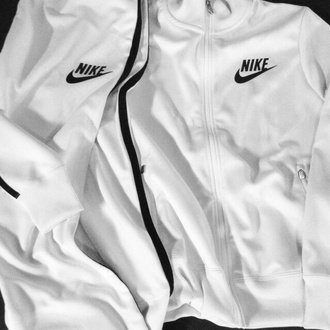 jacket white nike pants nike roshe run nike air black tracksuit boy comfortable outfit running sneakers running tumblr summer winter outfits tumblr jacket nike sweater nike jacket t-shirt white t-shirt windbreaker cute pretty nike running shoes nike sneakers nike shoes nike free run sweater white sweater nike white jackets sports jacket white jacket