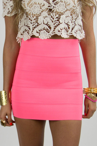 skirt cute jewelry gold pink crochet clothes crochet top bracelets sirt miniskrt neon bright brungoink neon pink tank top lace neon pink dress