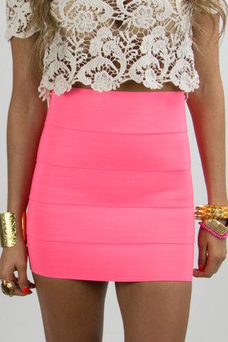skirt cute jewelry gold pink crochet clothes crochet top bracelets sirt miniskrt neon bright brungoink neonpink tank top lace neon pink neon pink dress