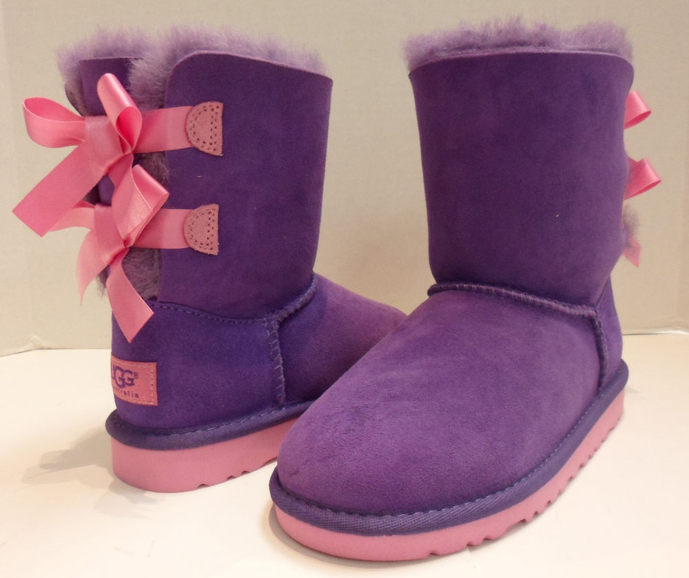 ugg australia bailey bow in purple pink for girls in size 3 nwot .