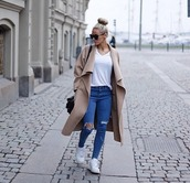 coat,long coat,long,oversized cocoon coat,beige coat,large coat,ripped jeans,jeans,top,fashionista,white shoes,blue jeans,denim,light blue jeans,light blue skinny jeans,sunglasses,sunnies,winter outfits,hipster,cute,style,trendy,cool,blogger,instagram,clothes,on point clothing,cardigan