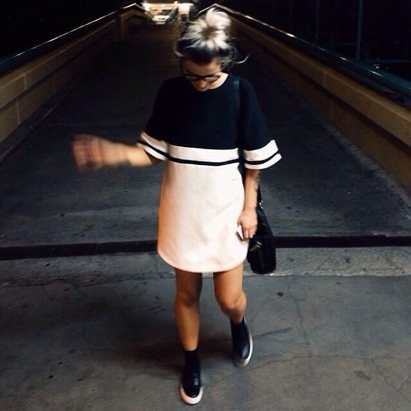dress black and white shoes black tumblr girl glasses bag white t-shirt dress dress shirt cute outfit