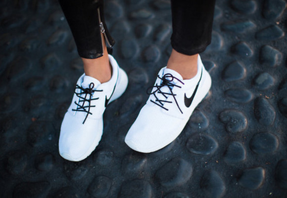 shoes nike white shoes fashion white nike nikes white nikes women tumblr pale sneakers