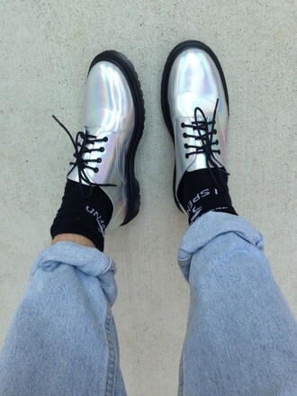 hologram´ hologram shoes shoes holographic rainbow black pretty grunge tumblr