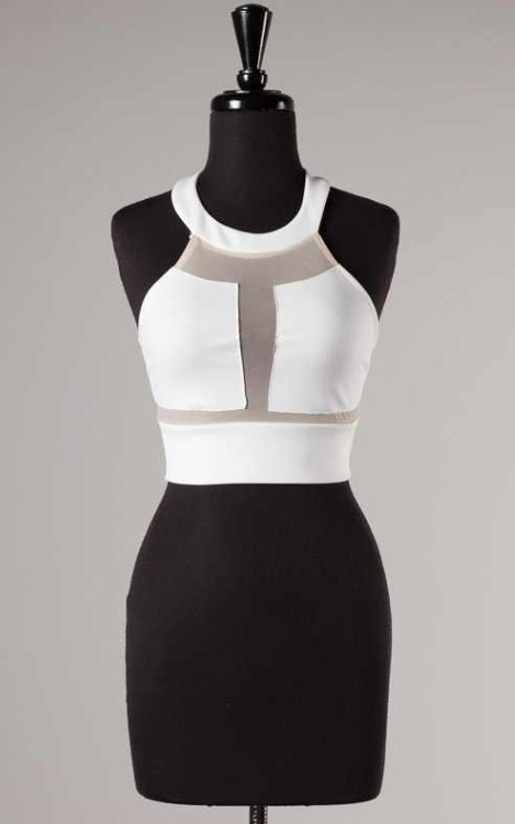 Halle Halter Crop Top | The Perfect Me Boutique
