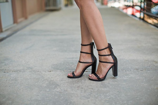 shoes sandals high heels strappy sandals black shoes black heels barefoot blonde
