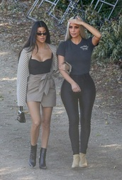 top,kim kardashian,black top,corset top,corset,kourtney kardashian,kourtney kardashian style