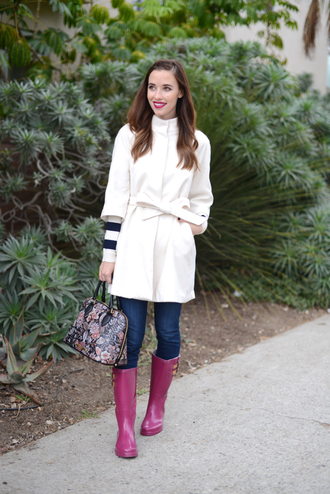 m loves m blogger coat wellies striped sweater sweater jeans shoes make-up