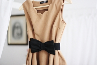 dress bow beige dress summer dress cute dress brown dress scalloped dress scalloped scalloped edges scallop trim beige tan dress tan lace dress black and brown dress brown dress pretty summer bows bow dress cream
