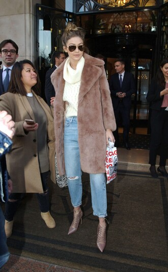 coat turtleneck sweater boots ankle boots sunglasses fur fur coat fashion week 2016 camel fluffy coat gigi hadid celebrity style celebrity model model off-duty turtleneck sweater white sweater long fur coat