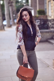 intrigue me now...,blouse,jeans,jacket,bag,jewels,quilted vest,shirt,floral,floral shirt,brown bag,pants,khaki,khaki pants