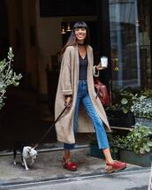 cardigan,beige cardigan,handbag,red handbag,shoes,red shoes,sweater,bag