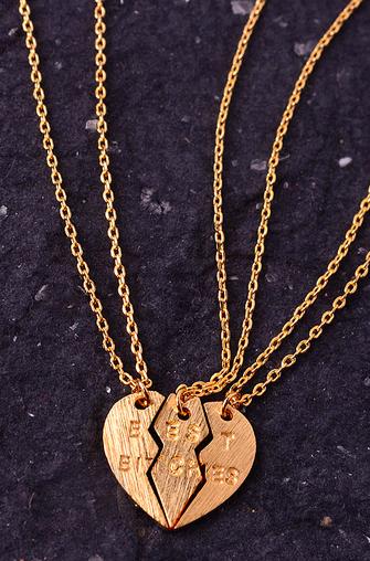 Best bitches necklace set