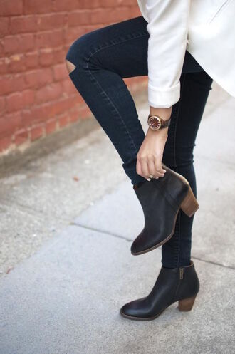 shoes tumblr black boots mid heel boots ankle boots denim jeans blue jeans ripped jeans
