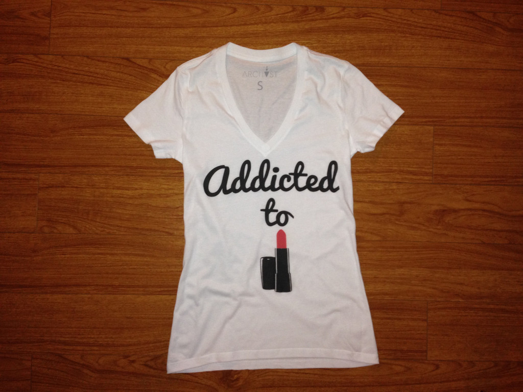Addicted to Lipstick Deep V-Neck T-shirt – ARCHVST