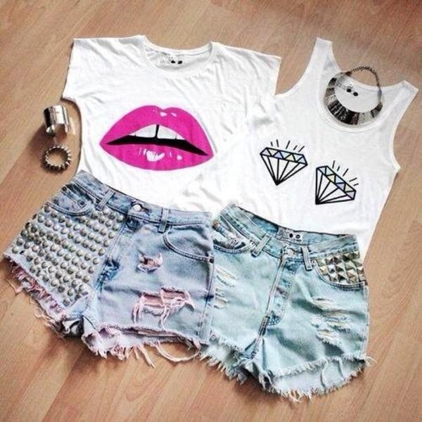 t-shirt lips white diamonds shirt shoes jewels shorts look on tumbler pink lips crop tops blouse nice funny shirt