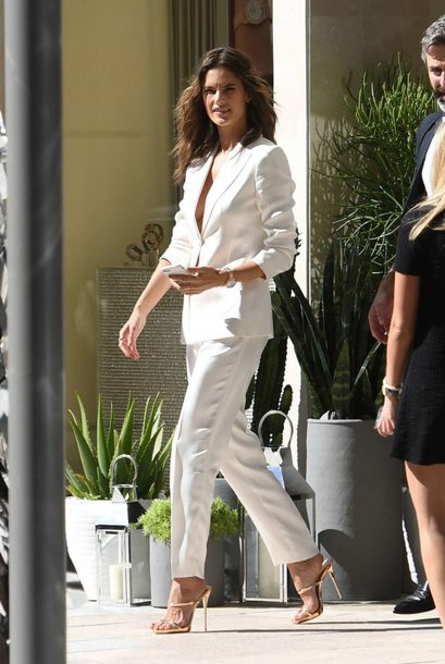 shoes sandals suit alessandra ambrosio streetstyle model off-duty blazer pants