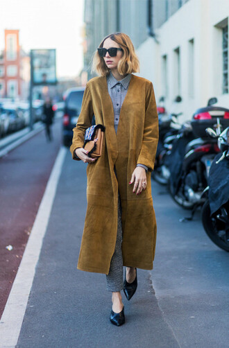 coat tumblr camel camel coat camel long coat long coat suede suede coat shirt grey shirt pants grey pants printed pants black babouches babouches shoes black shoes bag sunglasses streetstyle fashion week 2017