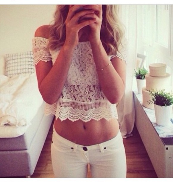 top white lace no shoulders shoulder free crop tops lace lace top lace crop top white jeans jeans white hipster fashionista fashionista style style stylish trendy trendy trendy cute girly summer cool tumblr tumblr outfit tumblr top tumblr girl tumblr clothes girl women blogger instagram pretty gorgeous elegant preppy beautiful lifestyle blonde hair date outfit cropped clothes on point clothing off shoulder crop top shirt summer outfits outfit white pants classic classy fancy classic style tank top white pants high waisted white high waisted jeans shoulderless top pants leggings jeggings