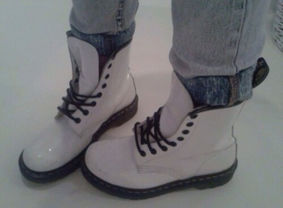 shoes boots DrMartens white white shoes combat boots kawaii kawaii dark japanese DrMartens