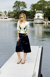 b soup,blogger,top,sunglasses,culottes,leopard print high heels,pants,black culottes