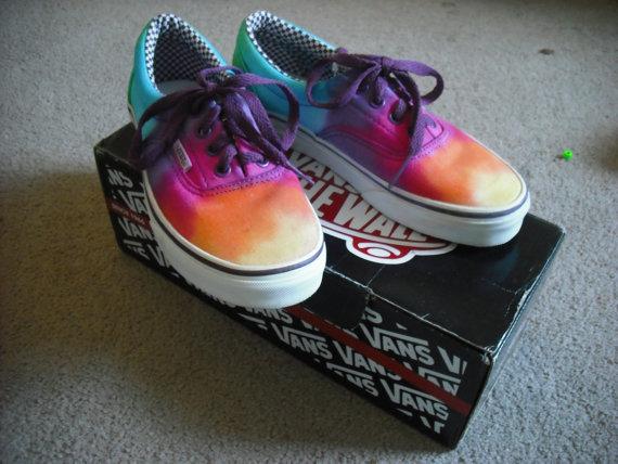 Tie dye vans shoes par doyoudreamoutloud sur etsy