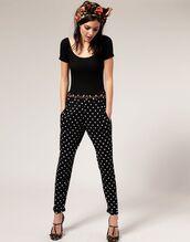 pants,polka dots,polka dots capri pants,top,black top,shoes,black shoes,bandana,spring outfits
