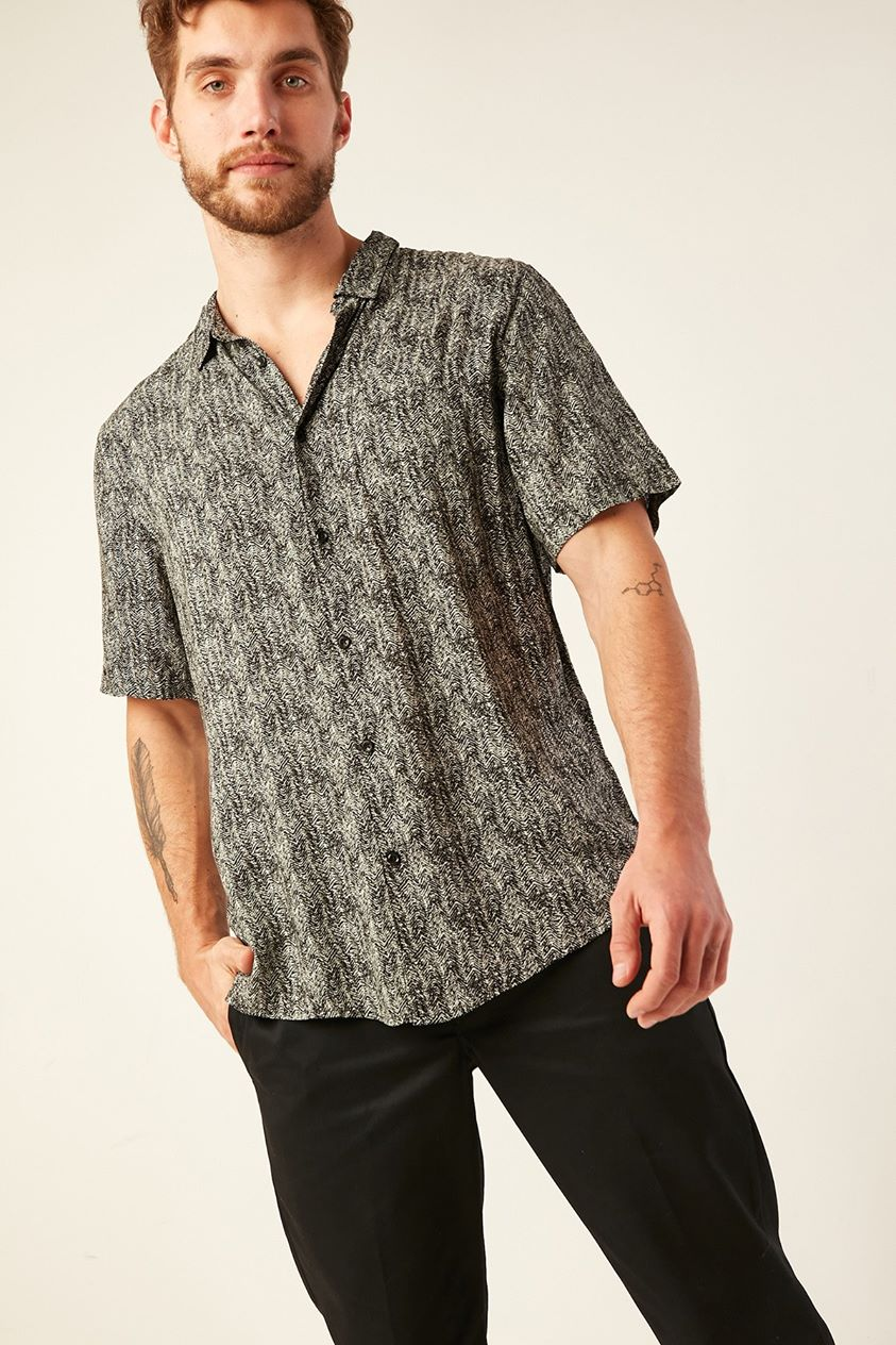 Common Need Ripple Party Shirt Black/grey
