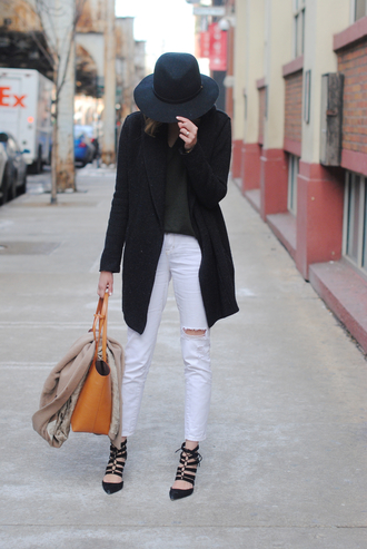 see jane blogger ripped jeans white jeans black coat strappy sandals sweater coat jeans shoes bag