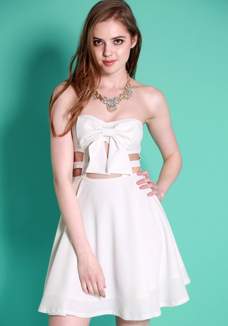 dress strapless bow dress skater dress whiteskater dress short dress white dress flare dress flare white dress bow white dress