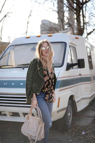 blonde bedhead blogger top jeans shoes jewels bag jacket leather jacket handbag