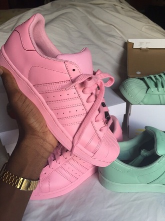 shoes pink pale pink pale adidas adidas supercolor stylish style fashion summer summer outfits ootd pretty lovely pastel sneakers