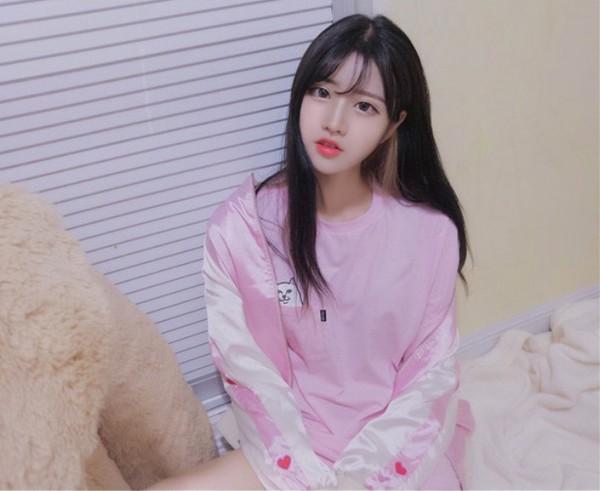 jacket pink heart cute korean fashion ulzzang K-pop bomber jacket baseball jacket white pastel