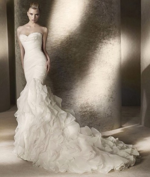 dress wedding dress sweetheart neckline hourglass