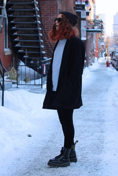babes in velvet blogger sweater grunge shoes