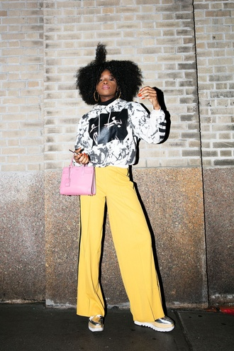 pants nyfw 2017 fashion week 2017 wide-leg pants streetstyle bag pink bag sweatshirt printed sweater shoes silver shoes metallic metallic shoes 00s style