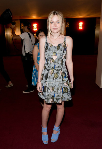 dakota fanning dress fashion week 2014