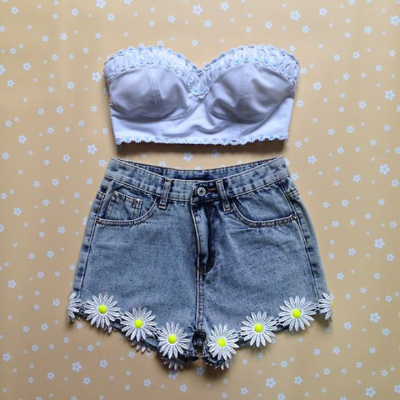 daisy denim High waisted shorts denim shorts shorts summer outfits dress blue shirt denim vintage levis cut off shorts pink flowers daisies tank top High waisted shorts clothes shirt cute cute shorts trendy autumn cool hippie hipster vintage white High waisted shorts floral shorts floral jeans high waisted skinny light blue jeans blue daisys summer outfits bandeau blouse top crop tops sunflower