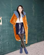 tights,glitter tights,glitter,sparkle,skirt,mini skirt,boots,blue boots,coat,faux fur coat,orange,disco tights