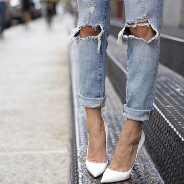 something navy shoes jeans high heels pointy clothes denim boyfriend jeans new fashion hipster chick white white shoes pumps sexy blogger tumblr pointed toe pumps high heel pumps ripped jeans cuffed jeans