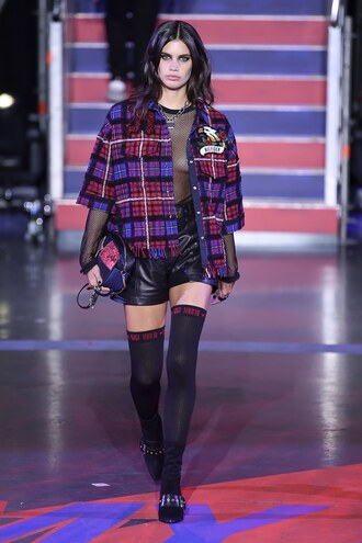jacket top shorts sara sampaio model runway london fashion week 2017 tommy hilfiger
