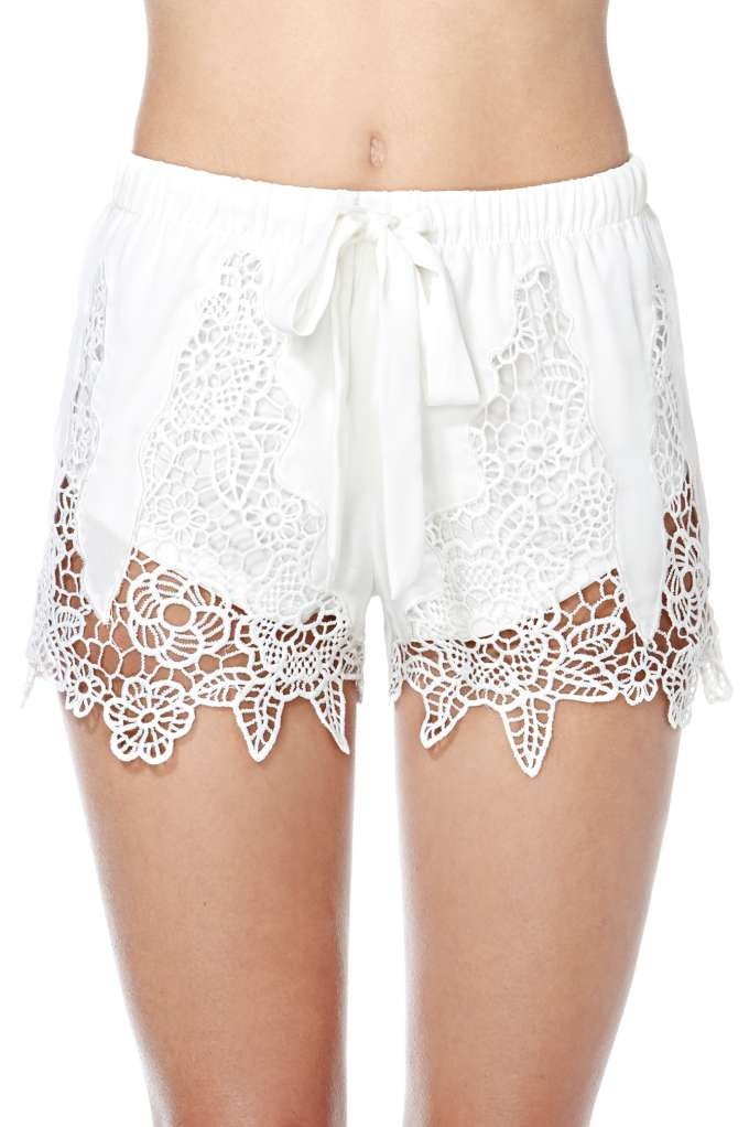 Spring Fever Crochet Lace Shorts | Shop Under The Boardwalk at Nasty Gal