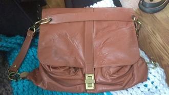 bag brown slouchy shoulder bag chain link front closure magnets samo? tan leather