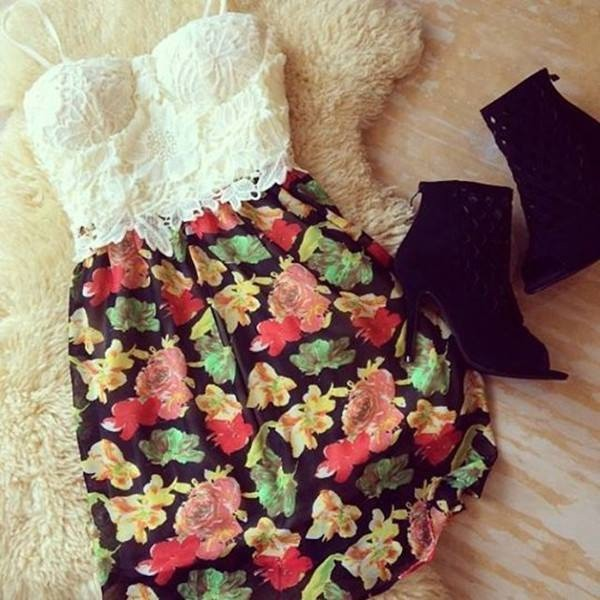 top white lace crop tops floral skirt shoes