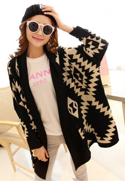 geometric sweater black