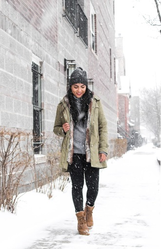 the-colorpalette blogger shoes sweater hat beanie boots grey sweater